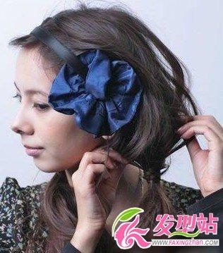 蓬松辫子发型扎法步骤-发型diy-发型站
