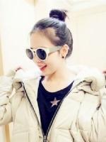 小脸女生无刘海丸子头 时尚还显高