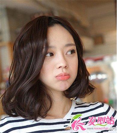 2014年短发女生流行烫发发型 最新时尚短发图片(4)图片