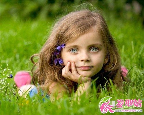 小女孩扎欧美好看发型小女孩可爱扎发长发发型卷中人鱼图片