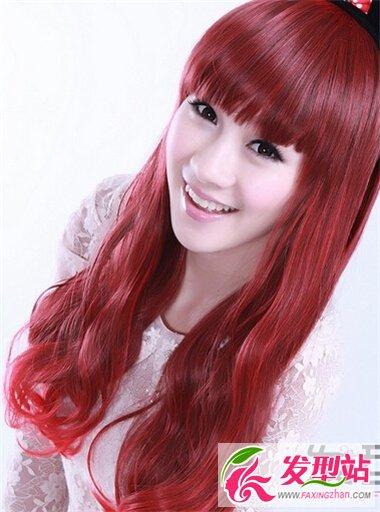 女生红色系染发发型 酒红色染发最显大气