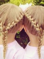 【小女孩发型】儿童中长发发型扎法_小女孩扎发图片图片