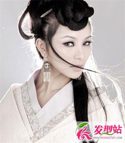 古典类长发美女发型 古装发型唯美淡雅又可爱