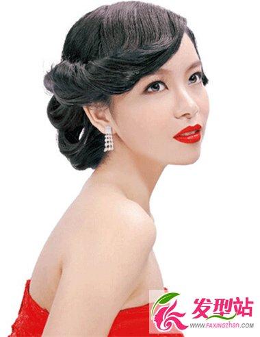 侧分上翘设计加上整体盘发造型,尽显出女性的温婉妩媚,很是有旧上海图片