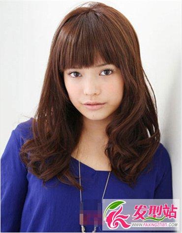 菱形脸适合发型 烫发发型时尚又修颜