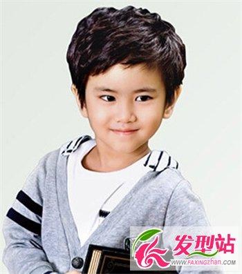 上小学小男孩流行发型 时尚儿童发型打造小潮男-儿童发型-发型站_最新图片