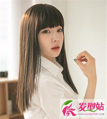 适合长发女生的披肩直发最显少女甜美(4)-直发发型图片