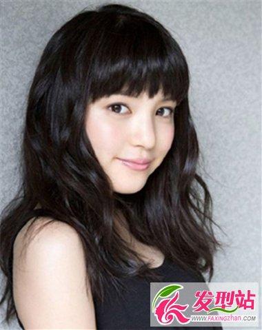 长脸女生适合的长发发型 齐刘海长发最时尚修颜