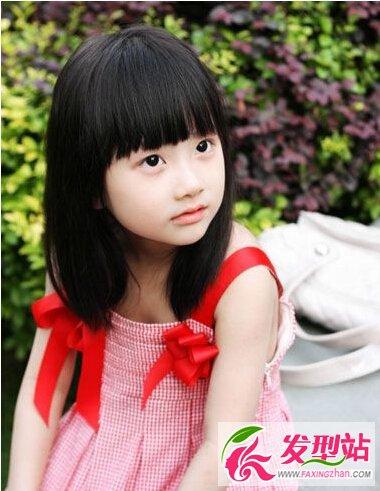 幼儿园女孩发型 可爱甜心中长发最萌