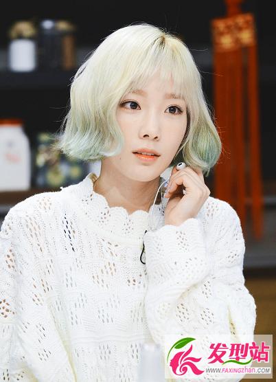 超美韩国短发女神 金泰妍短发金色薄荷绿染发