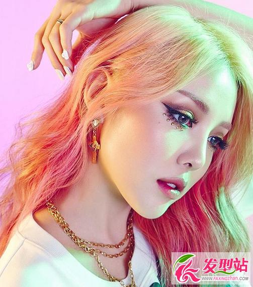 韩国女生彩色染发发型 另类渐变挑染发型图片图片