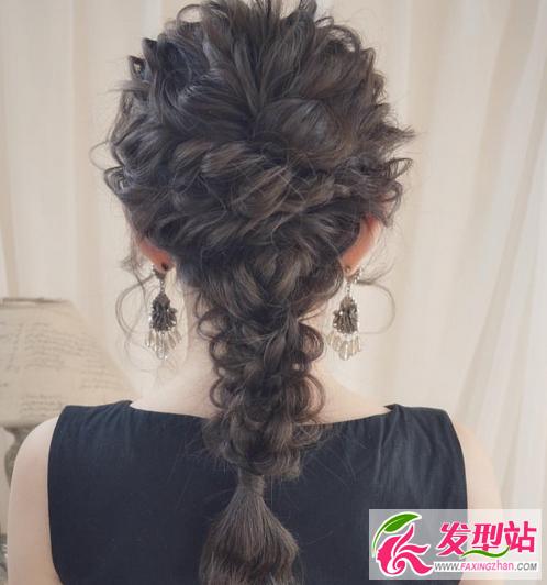 最新复古系新娘长发编发发型,编发的发型给新娘的造型增加了精致和图片