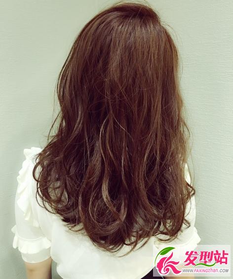 50岁烫发发型图片大全 55岁女人什么发型好看图片