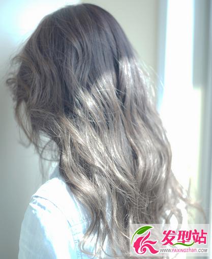 发廊专用染发表-显白发色有两种,对于没有气色的女生来说,暖棕色会更显自然白皙,图片