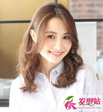 圆脸女生刘海�yg�_圆脸女生显瘦刘海 圆脸刘海怎么剪好看?