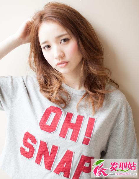 韩式时尚中长发卷发烫发-卷发发型-发型站_最新流行发型设计发型图片图片