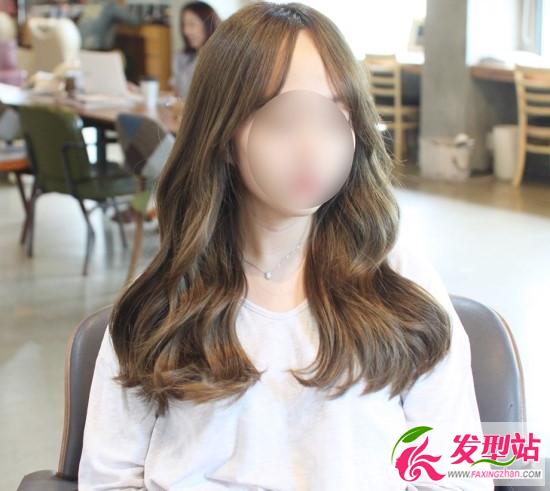 冷棕色染发卷发发型 2017女生流行发色图片