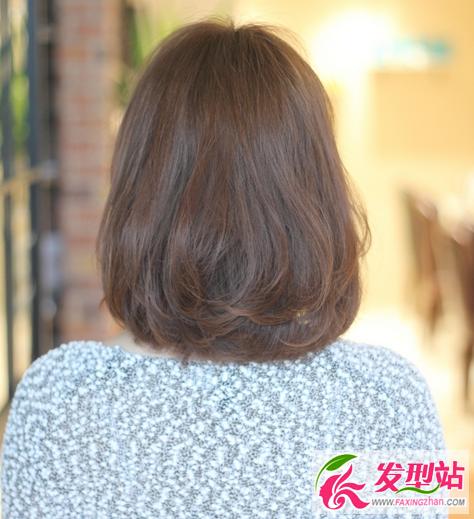 深咖色染发发型 深棕色头发效果图片