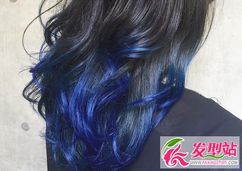 有没有天生天蓝色的头发呢? 为什么会这样啊