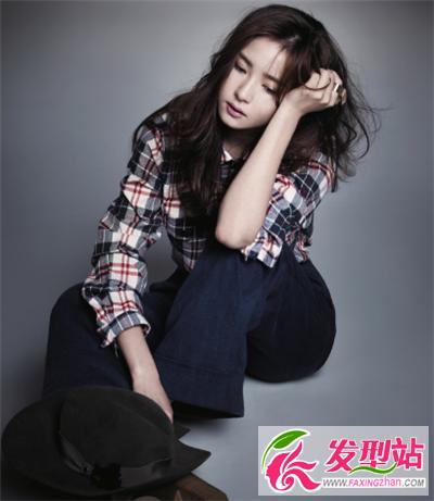 气质女生lehu66乐虎国际集 时尚靓丽很显眼