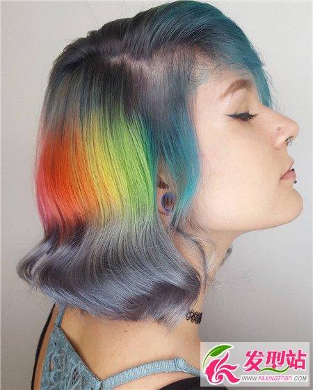 彩虹色发型