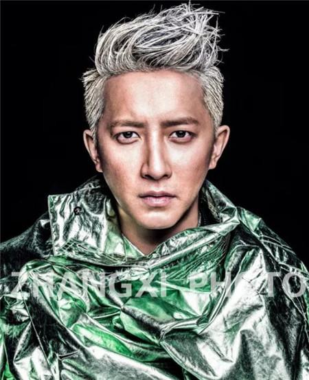 男生长刘海发型