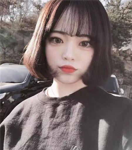 齐刘海内扣短发 中学生文艺短发图片