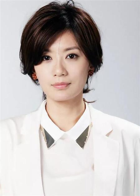职场短发发型 气质精英白领图片