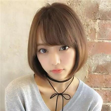 刘胡兰短发