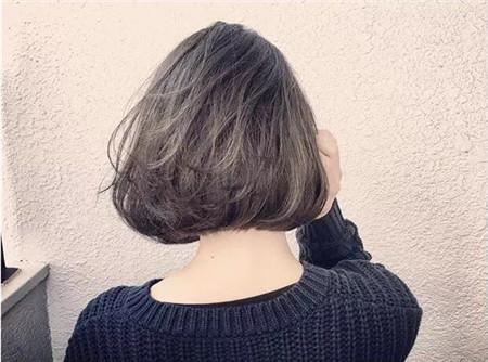 2018年流行短发干练_2018 减龄 短发