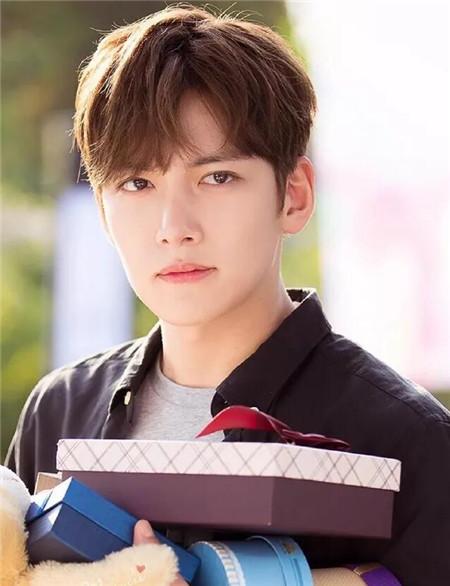 最新韩式男生发型