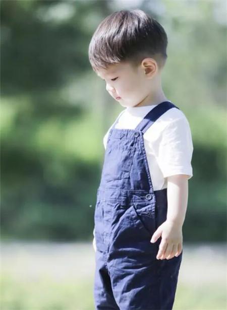长脸男生发型设计_小男孩发型设计图片 演绎潮流呆萌范儿-儿童发型-发型站_最新 ...