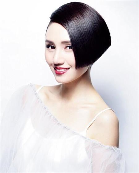 女生油头感发型