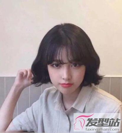 薄刘海短发是抖音女生必备发型,轻盈又小清新.图片