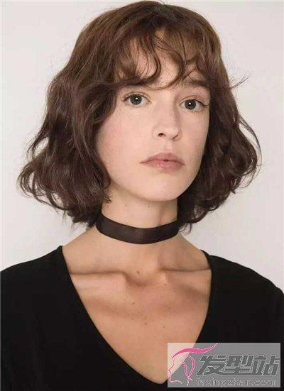 发型令人风女生短发短发十足染发过目不忘韵味复古后几天又长出白发图片