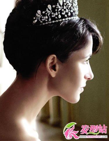 新娘皇冠头饰显尊贵女王气质高清图片