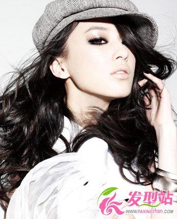 【新发型】2012潮流女星帽子发型搭配秀