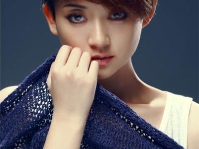 女生夏季最清爽短发发型 简单时尚短发走萝莉路线