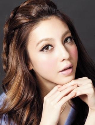 时尚刘海编发发型 三步搞定高贵优雅气质