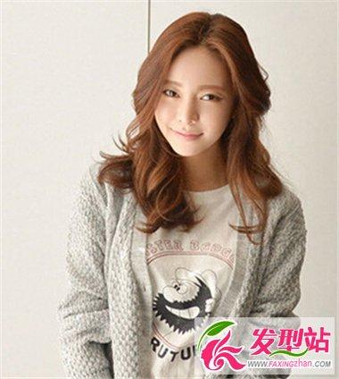 秋季针织衫搭配什么发型好看 适合秋装的女生发型推荐