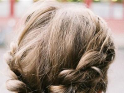 欧美气息的麻花辫 凸显时尚复古气质