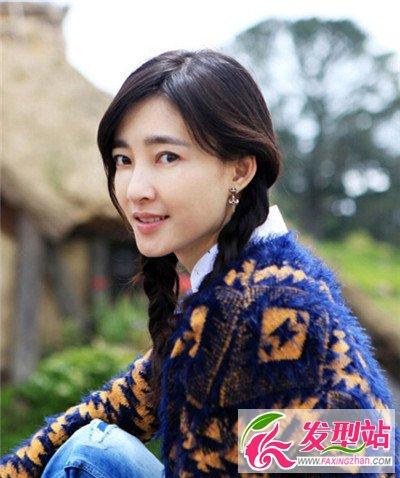 素颜美女王丽坤中长发发型图片 颇具气质十分抢镜