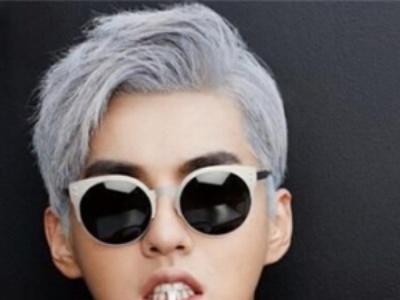 男生个性五十度灰色染发发型 极易hold住的奶奶灰