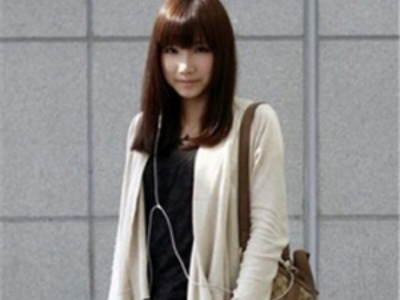 女生内扣发尾直发发型 打造最清新的时尚MM