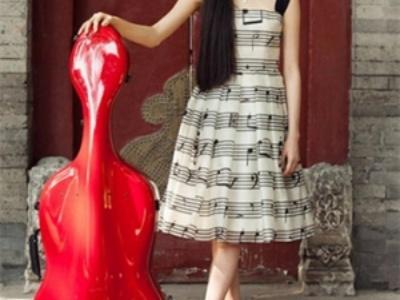 欧阳娜娜甜美发型集锦 与大提琴共同演绎美妙人生