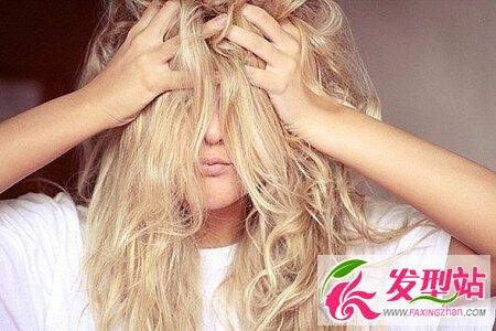 起床总是一头乱发吗? 3习惯让你头发越睡越美丽