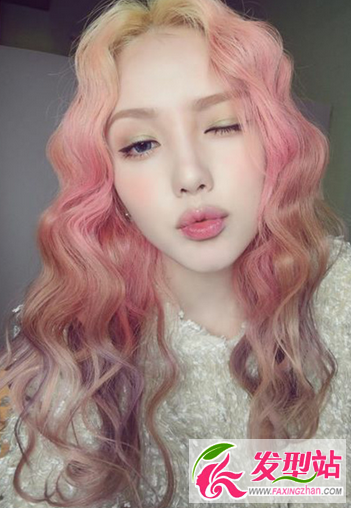 彩色非主流_2016非主流彩色染发发型超惊艳的彩色晕染渐变图片-非主流发型