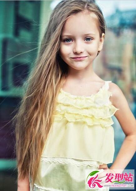 小女孩可爱发型 秒变甜美芭比公主
