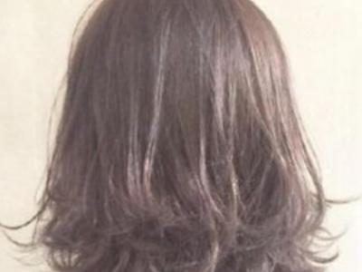 短头发女生怎么卷好看 内扣外翘发尾成主流