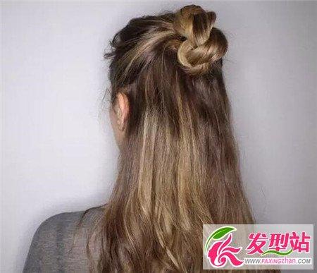 长头发简单扎法图解_半丸子头怎么扎 半丸子扎发教程-发型DIY-发型站_最新流行发型 ...